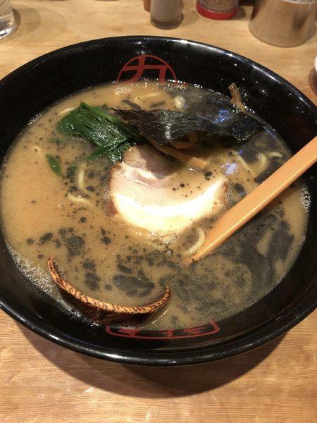 「醤油とんこつラーメン 780」@九十九とんこつラーメン 津田沼店の写真