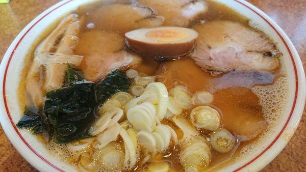 「煮干しチャーシュー麺」@ラーメン 育元 吉見店の写真