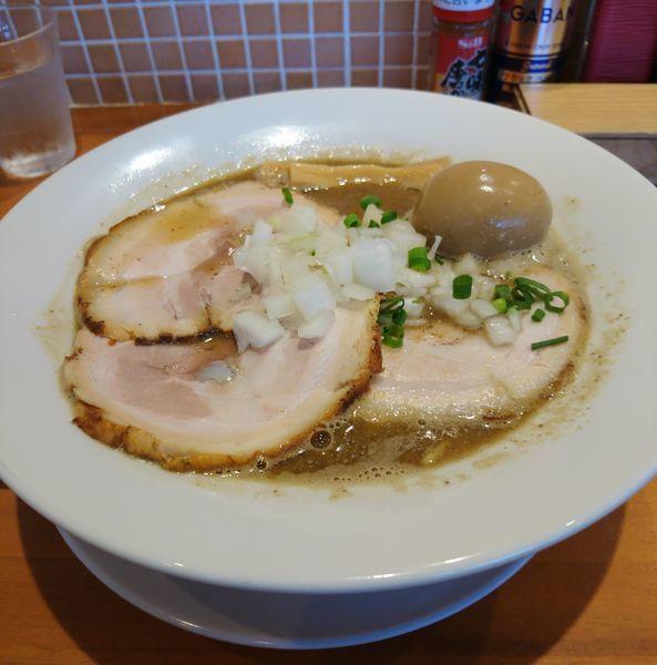 「チャーシュー煮干そば大盛 味玉」@らーめんキッチン いいづかの写真