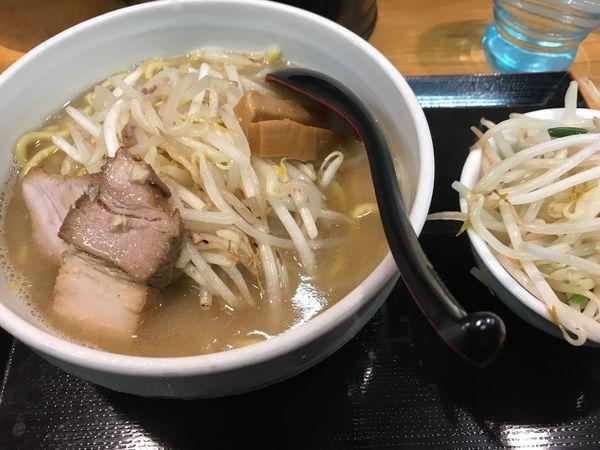 「味噌ラーメン800円(ヤサイ大盛)」@味噌麺処 花道の写真