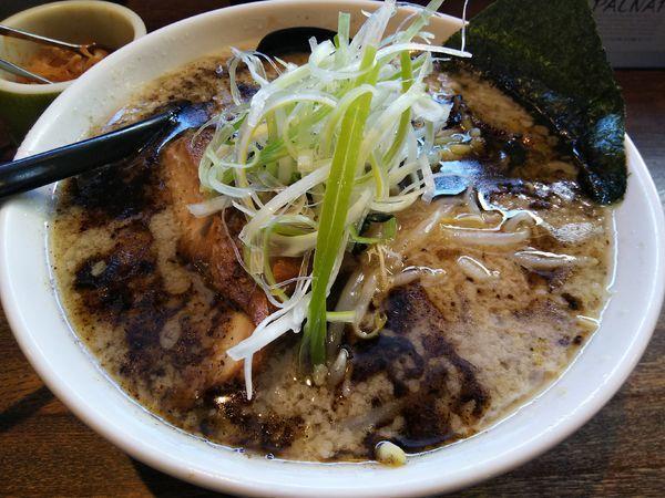 「とん黒 ※太麺 (大盛り)」@信州麺屋 とんずらの写真