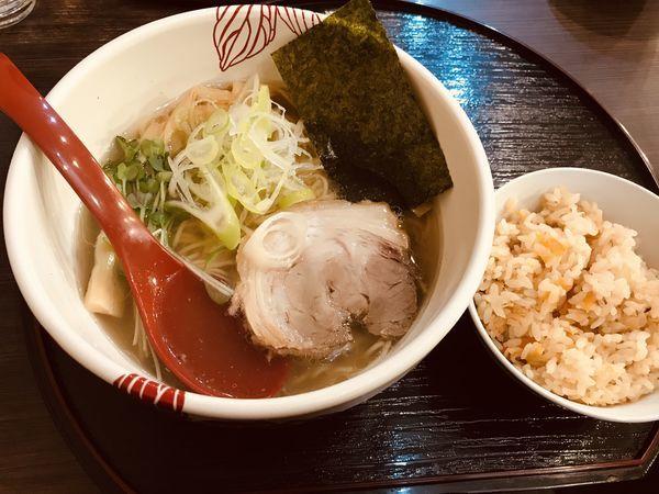 「しおらーめん ¥800 だし炊きごはん無料」@麺処 あす花の写真