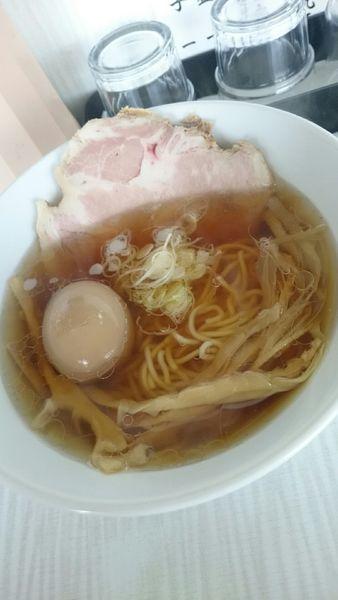 「しょうゆらーめん  680円」@拉麺 しのざきの写真