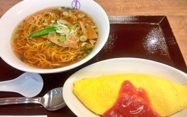 「たいめいけんセットA・ハーフオムライス」@洋食や 三代目 たいめいけん ラゾーナ川崎プラザ店の写真