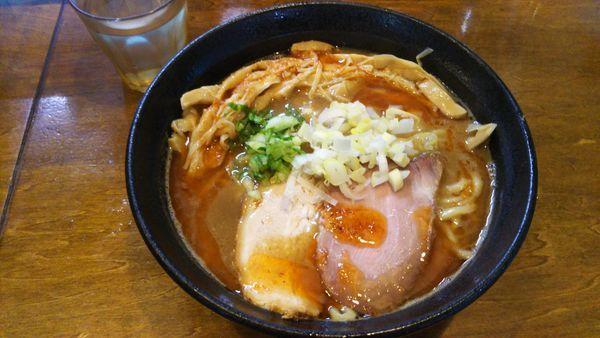 「濃厚魚介豚骨エビ風味、メンマ」@はりけんラーメンの写真