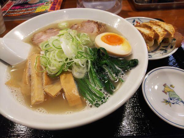 「Wスープの塩ら~めん830円+餃子セット50円」@麺や 一歩一歩の写真
