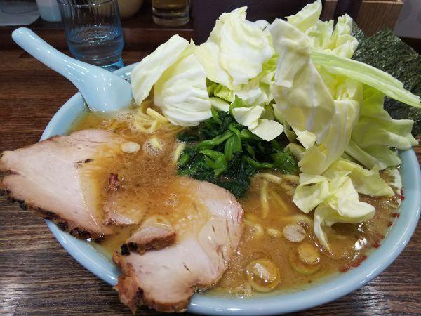 「ラーメン 中(1.5玉) ※麺硬め +生キャベツ:サービス券」@豚骨醤油ラーメン まじめ家の写真