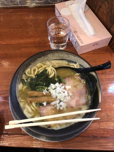「ラーメン」@俺の麺 豚と鳥の写真