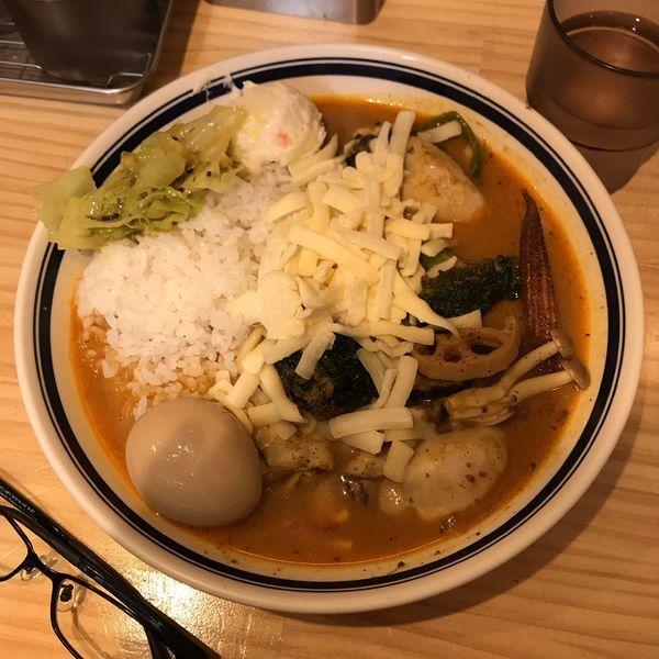 「牡蠣野菜カレー(大辛) チーズ・味玉のせ」@カレーライス専門店 ブラザーの写真