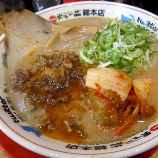 「牛すじキムチラーメン 1,057円(こってり・普通麺=中太)」@天下一品 総本店の写真