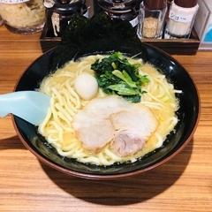 横浜家系ラーメン 壱角家 原宿店の写真