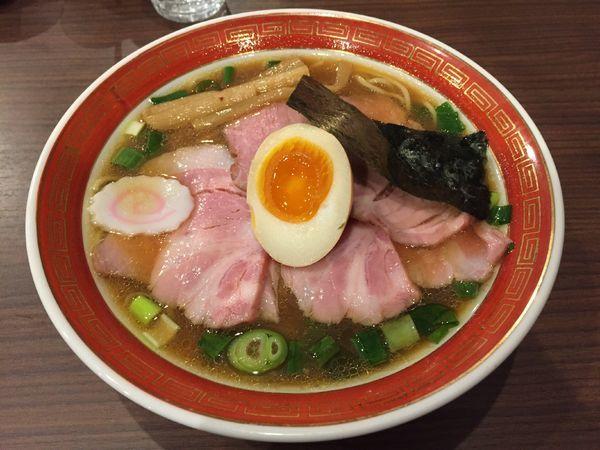 「三元豚黄金育ちの低温ローストチャーシューメン」@拉麺 いさりび 京成大久保店の写真