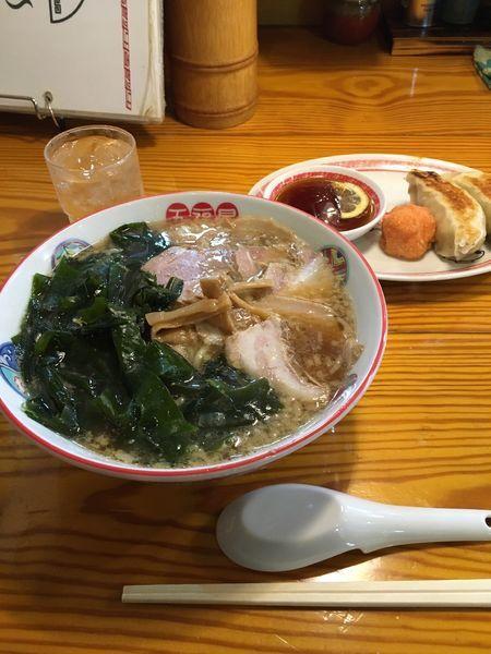 「ワカメ肉そば」@五福星の写真