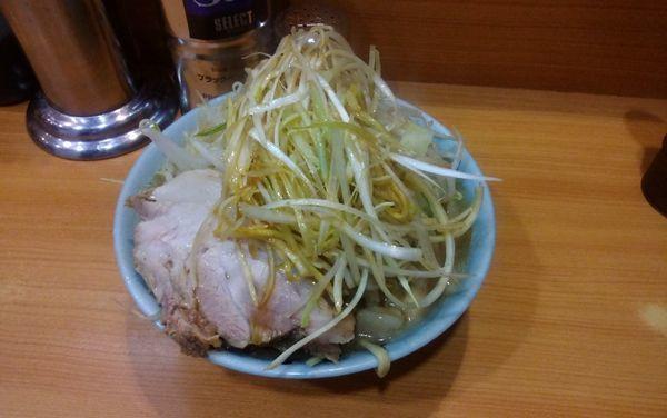 「小ラーメン(味薄め)ネギ、アブラマシマシ」@ラーメン二郎 八王子野猿街道店2の写真