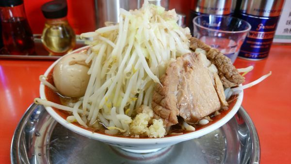 「小ラーメン味玉 ニンニクヤサイアブラ全部チョイマシ!」@麺でる 戸越店の写真