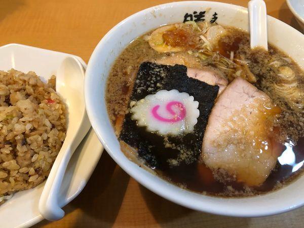 「特上正油チャーシュー麺 + 味玉 +チャーハン」@支那そば 勝丸 目黒本店の写真