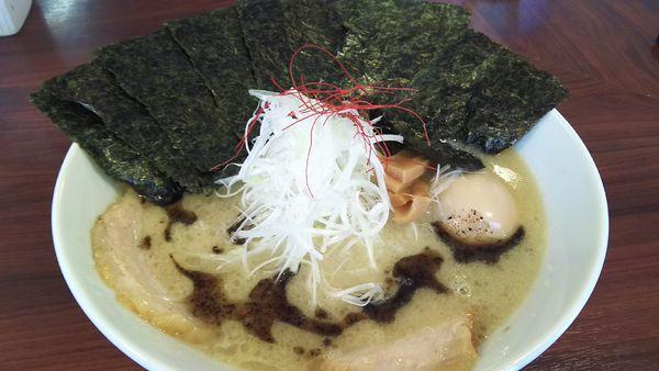 「全部のせ(塩チャーシュー)¥1050+自家製マー油¥50」@麺屋 蓮花の写真