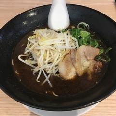 元祖広島牛骨醤油ラーメン 大嵐 広島駅前店の写真