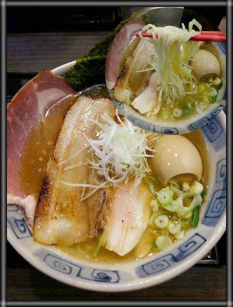 「アゴ・サンマ煮干しらぁめん塩 (特製)」@龍のひげ 常陸大宮店の写真