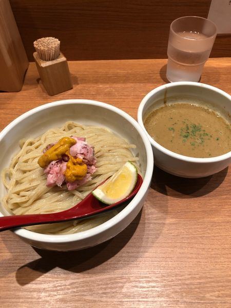 「限定 濃厚雲丹つけ麺」@煮干中華そば 鈴蘭 新宿店の写真