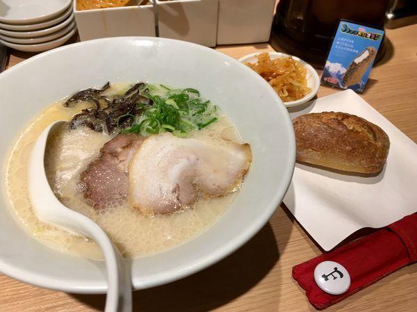 「白丸元味+VIRON監修のバケット付き」@博多一風堂 五反田東口店の写真