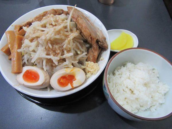 「極太麺まぜそば(930円)+半ライス100円」@麺屋 とん嬉の写真