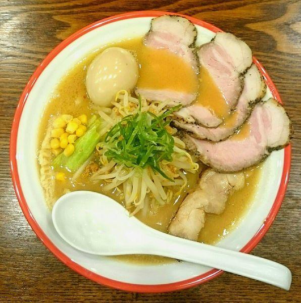 「味噌そば 豚チャーシュー 味玉」@鶏そば 志いなの写真