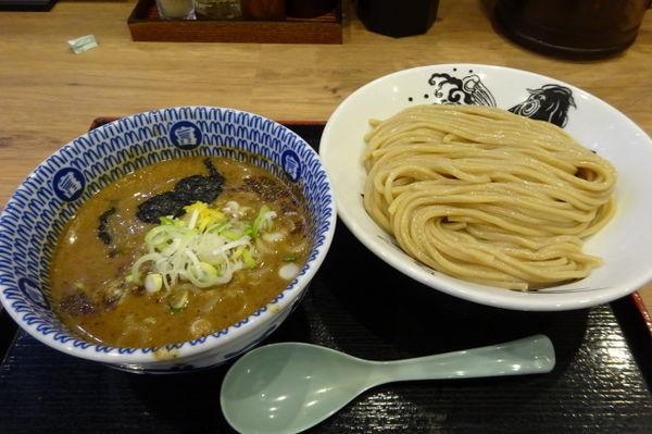 「濃厚つけ麺890円」@日本の中華そば富田 成田空港店の写真