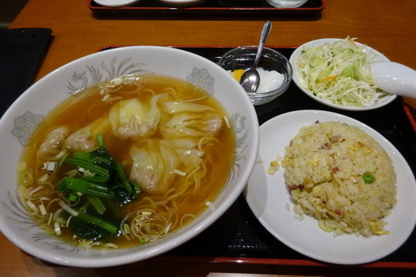 「海老ワンタン麺と半チャーハンセット」@横浜大唐の写真