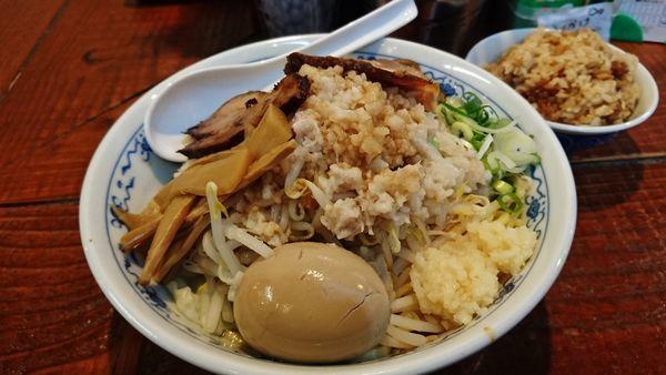 「限定/背脂煮干し油そば+大盛り+味玉+煮干しご飯」@初代青樹の写真