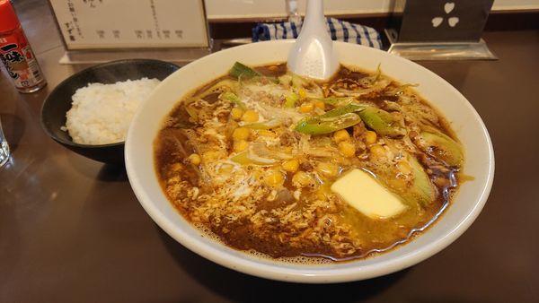 「限定 クリーミー味噌コーンソバ小ライス付き+バター」@鶏こく中華 すず喜の写真