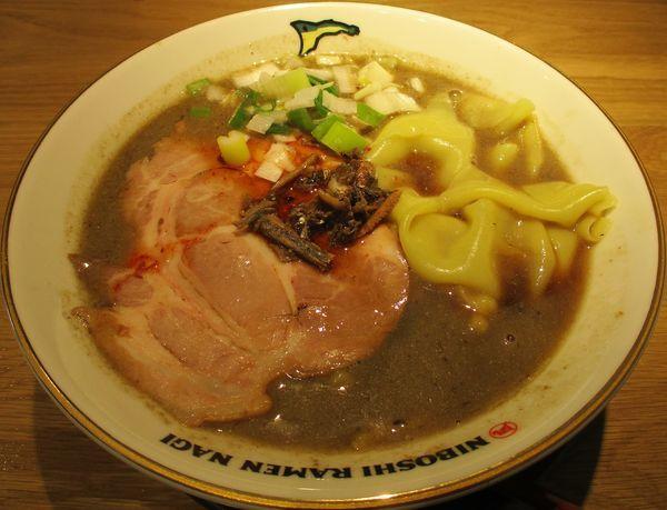 「すごい煮干ラーメン(中)830円」@すごい煮干ラーメン凪 田町店の写真