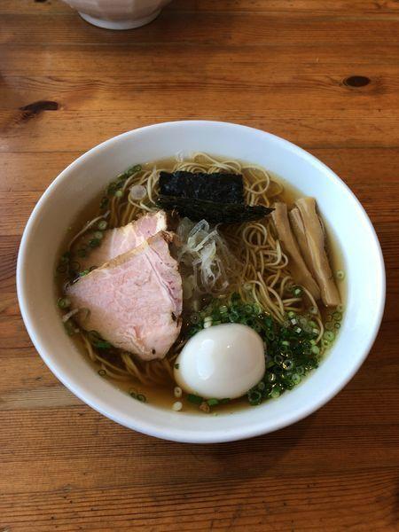 「煮干(醤油)+味玉 850」@喜乃壺の写真