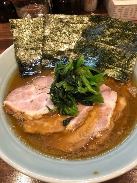 「チャーシュー麺中盛硬め濃いめ、1020円」@横浜家系 せいせき家の写真