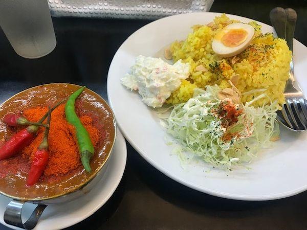「激辛鶏チリチリ赤カレー中盛り【950円】」@カレーは飲み物。 ニュー新橋ビル店の写真
