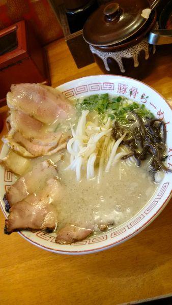 「三種の肉らーめん  990円」@豚骨らーめん れんの写真