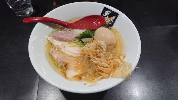 「鶏鮭塩麺830+味玉100」@超純水採麺 天国屋の写真