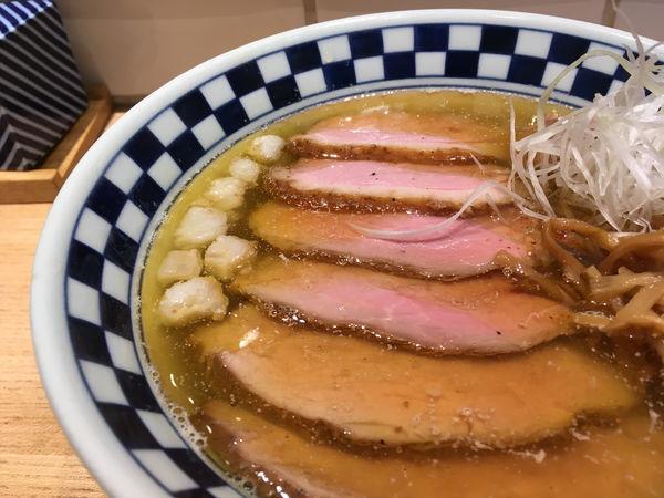 「肉そば(塩煮干)豚ヒレ・豚もも・鴨ロース」@超多加水自家製手揉麺 きたかた食堂の写真
