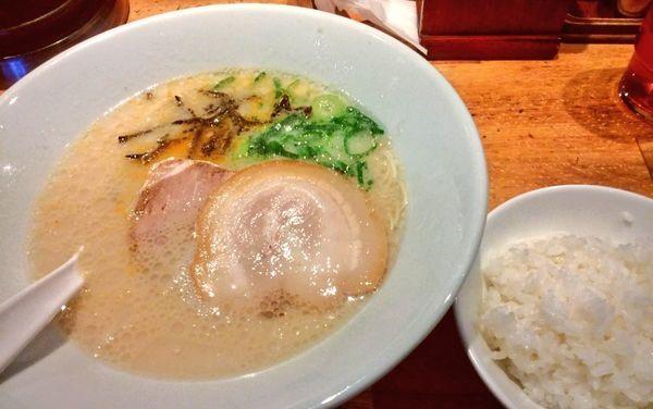 「白丸元味+白ご飯」@博多一風堂 横浜西口店の写真