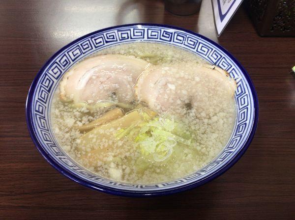 「ノムノムこってりしおらーめん(700円)」@ウリナム食堂の写真