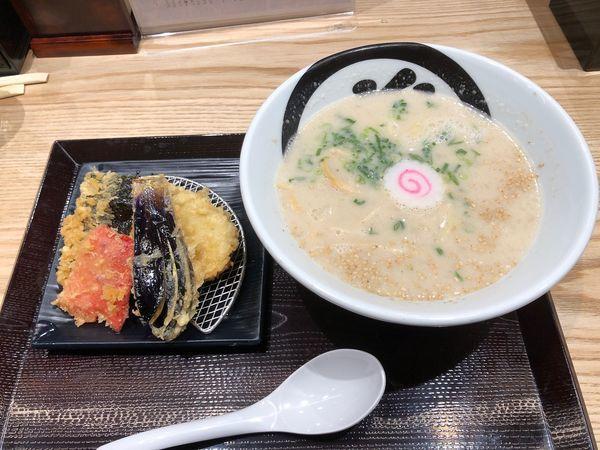 「胡麻豚骨らぁ麺+サービス券(なす)」@天丼・らぁ麺 ハゲ天の写真
