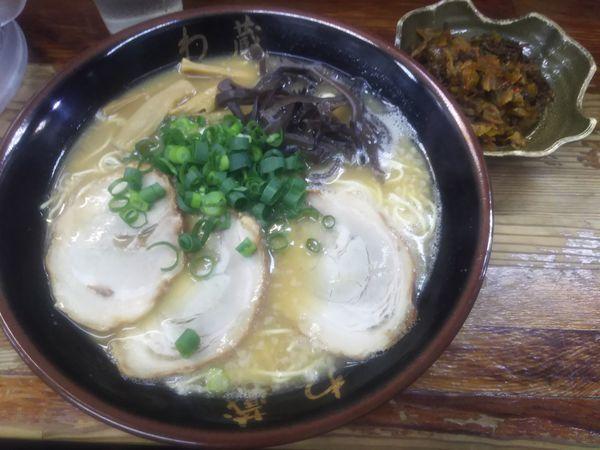 「らーめん1.5」@博多とんこつラーメン わ蔵 歌舞伎町店の写真
