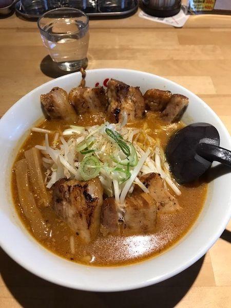 「みそラーメン 750円 + 炙りチャーシュー 250円」@麺や 松の写真
