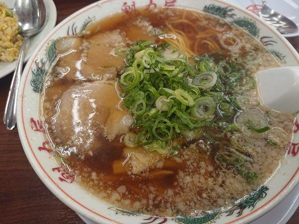 「醤油ラーメン・並」@ラーメン 魁力屋 竹ノ塚店の写真