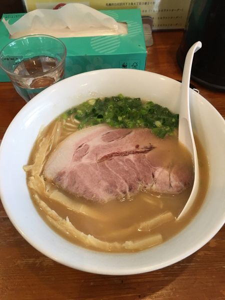 「鷄白湯醤油ラーメン」@麺屋 菜々兵衛の写真