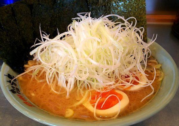 「ネギラーメン(中盛り) 味玉&海苔」@横浜らーめん 松本家の写真