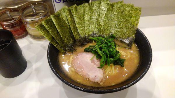 「豚骨醤油ラーメン(海苔増し)」@かわむら家の写真