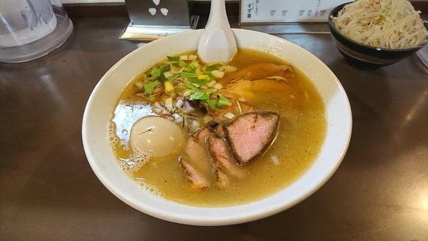 「こく塩 本日の特製」@鶏こく中華 すず喜の写真