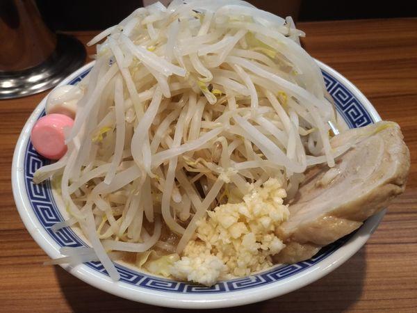 「ラーメン並(200g)ヤサイちょいマシニンニク」@びんびん豚の写真