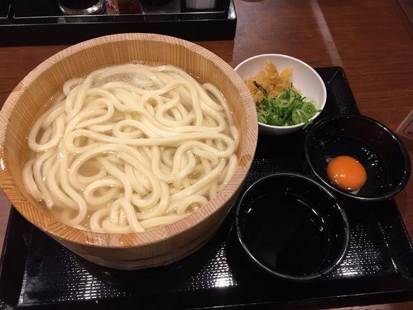 「釜揚げ(大)¥390+生卵¥70」@丸亀製麺 大宮すずらん通り店の写真
